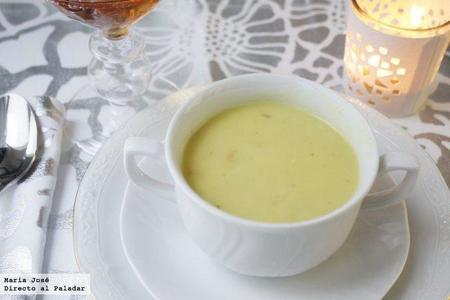 Crema de mejillones al curry con cebolleta fresca