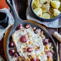 Chuletas de ternera en salsa de uvas. Receta fácil y deliciosa