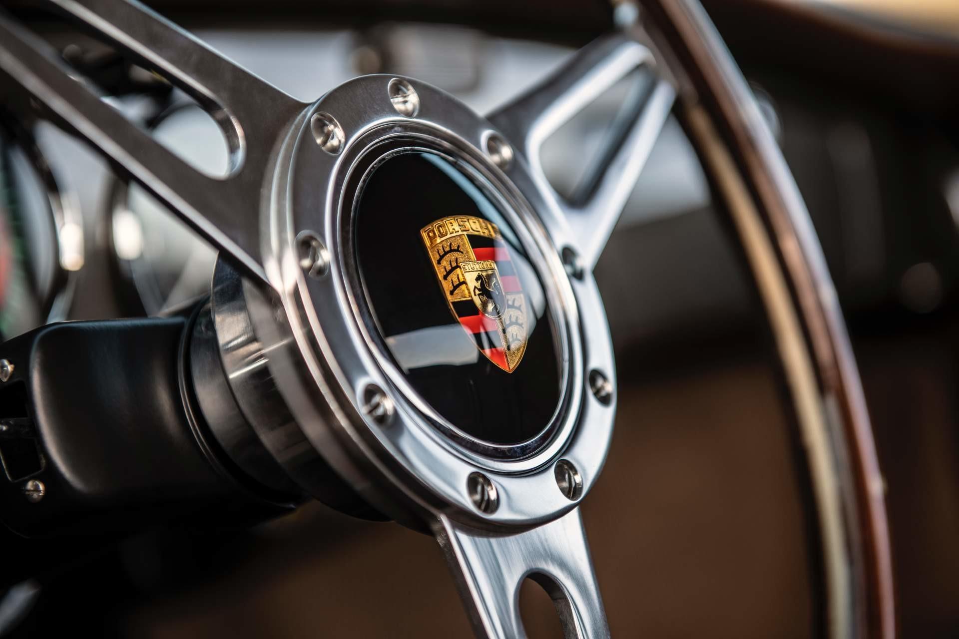 Foto de Emory Motorsports Porsche 356 restomod (34/46)