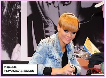 rihanna firmando cheques