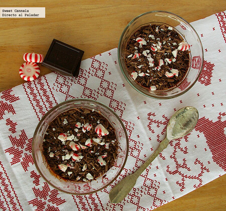 Mousse de chocolate amargo con un toque de menta. Receta