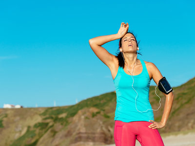 Si entrenas o compites en verano, estas son las precauciones que debes tomar ante el calor