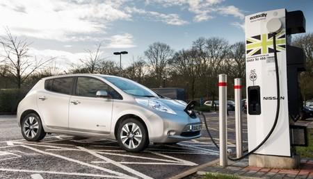 Nissan-Ecotricity estación de recarga rápida en Surrey