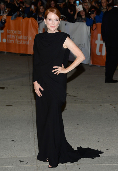 julianne moore giambattista valli costura
