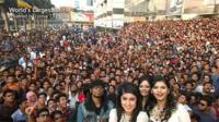 El Nokia Lumia 730 abre la guerra del selfie más populoso, 1.151 personas en una sola foto