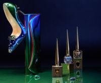 Louboutin presenta su nueva colección de esmaltes de uñas inspirada en los escarabajos egipcios