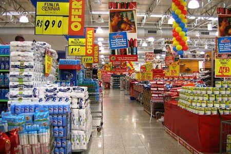 ¿Cambiarías de supermercado si descubrieras que no dona alimentos? La pregunta de la semana