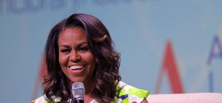 Michelle Obama presume de pelo natural rizado en la portada más body-positive del momento