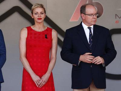 Charlene de Mónaco elige el rojo en un nuevo acto público para parecerse un poco más a nuestra Reina Letizia
