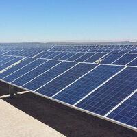 Repsol se va quitando del petróleo: ya tiene luz verde para construir su mayor planta solar en Chile