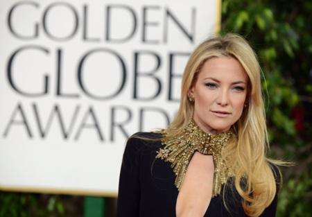 Cambia la tendencia en los escotes de fiesta, copia a las famosas en los Globos de Oro 2013
