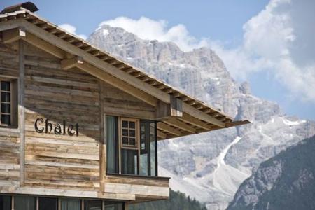 Si lo que te gusta es esquiar has de ir a los Dolomitas y dormir en el Hotel Fanes