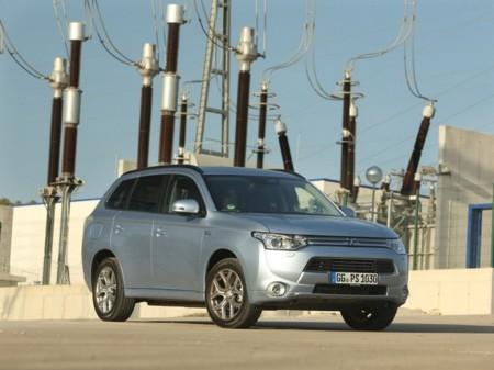 Marzo, mes de récord: entre Noruega y Reino Unido casi se venden 10.000 coches eléctricos enchufables