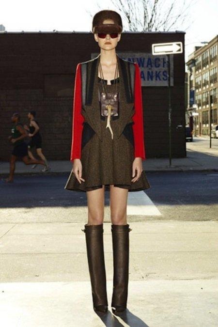 Givenchy Pre-Fall 2012: futurismo sesentas