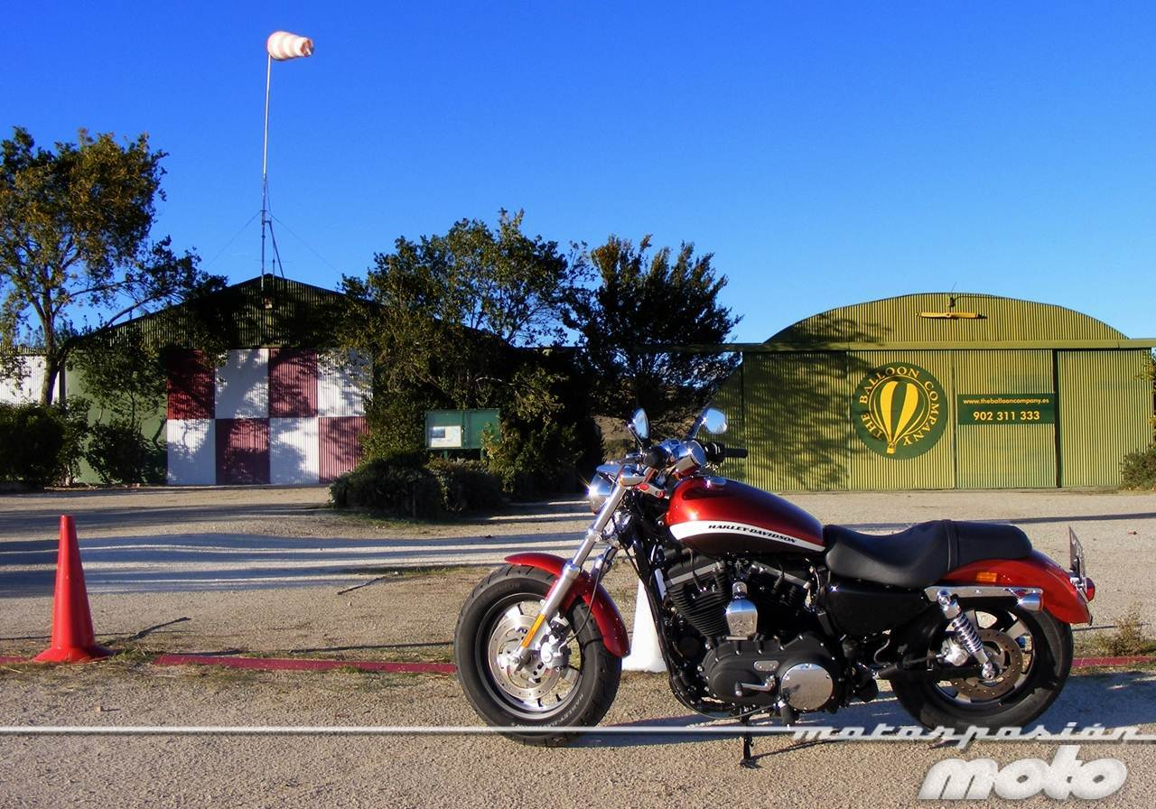 Foto de Harley-Davidson XR 1200CA Custom Limited (25/65)