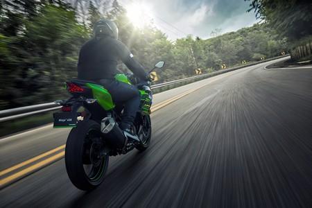 Kawasaki Ninja 400 2018 007
