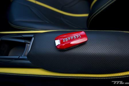 Ferrari 812 Superfast llave