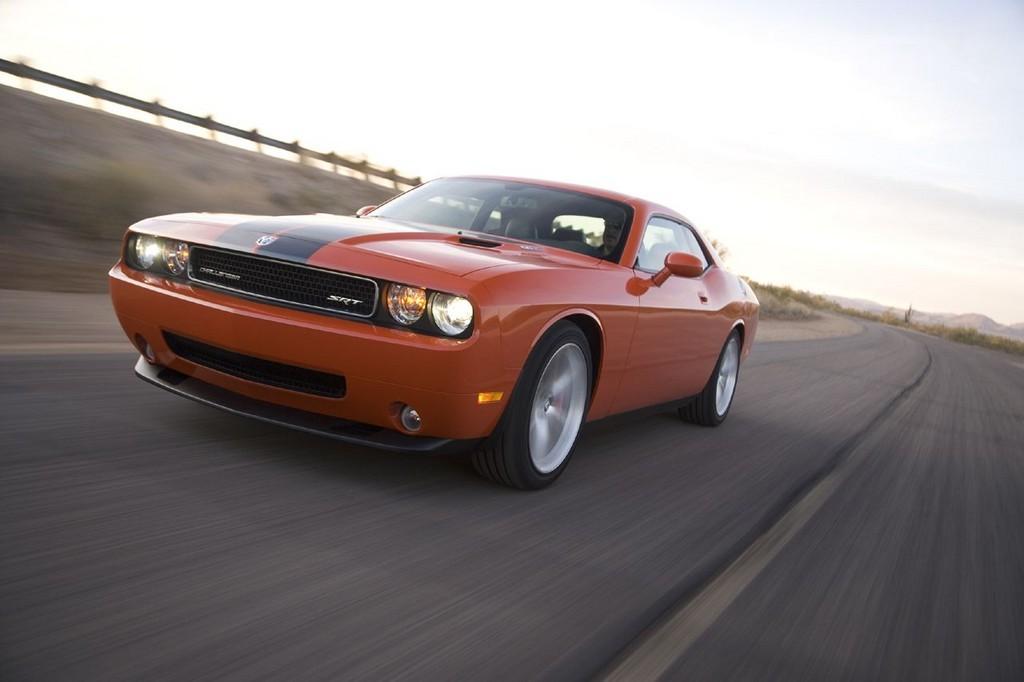 Foto de Dodge Challenger SRT8 (35/103)