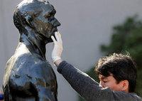 Museos: servicios especiales para visitantes ciegos