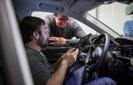 Audi estrena el estándar de lenguaje para que el coche eléctrico pueda aportar energía al hogar y gestionar el consumo