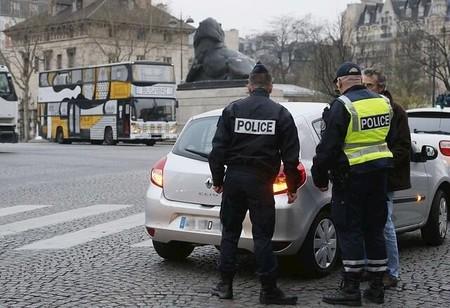 París prueba la circulación en días alternos por la elevada contaminación