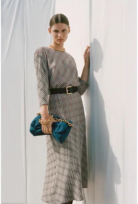 Vestido De Cudros De Zara