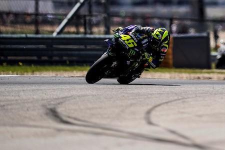 Valentino Rossi explica su nueva mentalidad para luchar por MotoGP y pide a Yamaha el deflector de la Ducati