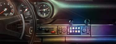 Porsche adapta una pantalla con Apple CarPlay para sus 911 de los años 60 en adelante