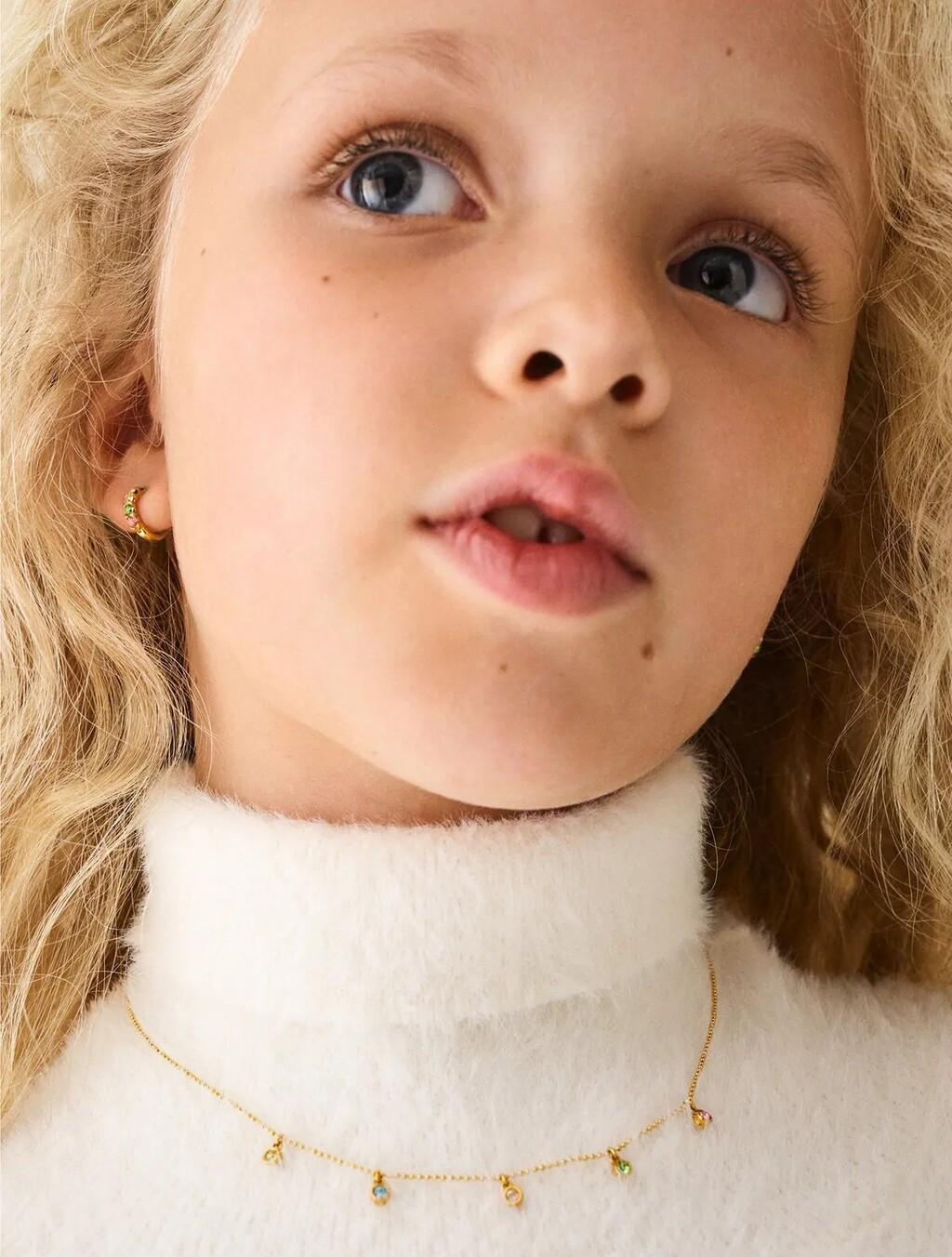 Zara Kids lanza su primera colección de joyas en edición limitada y chapadas en oro que triunfan entre el público femenino
