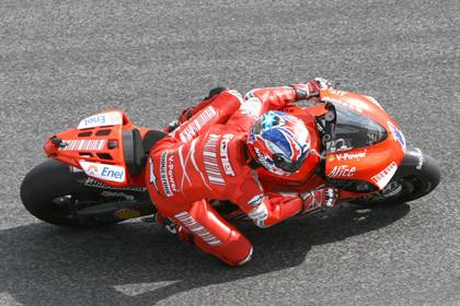 Rossi y Stoner primeros en la sesión de entrenamientos libres