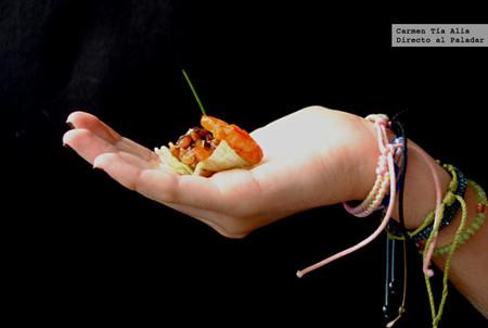 Tartar de tomate y dátil con langostino, receta para un aperitivo fresco, ligero y muy sabroso