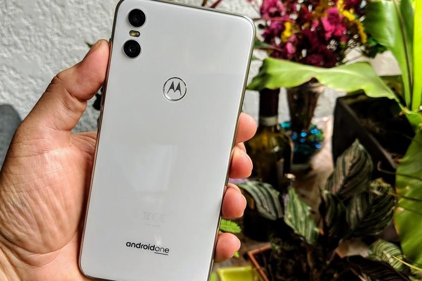3ce11b8c140 México es el primer país que recibe el Motorola One, este es su precio