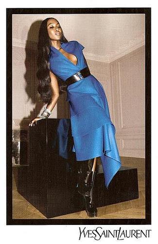 Más imágenes de Naomi Campbell para Yves Saint Laurent Otoño-Invierno 2008/09