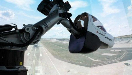 DLR apuesta por un brazo robótico para crear un convincente simulador de vuelo