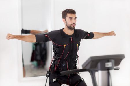 Los beneficios del entrenamiento con chaleco de electroestimulación, ¿respaldados por la ciencia o solo marketing?