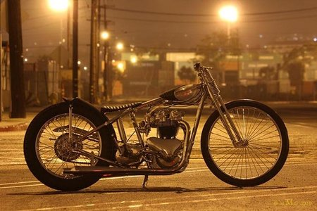 Solitary Confinement, bonita moto para el Mooneyes Yokohama Hot Rod Custom Show
