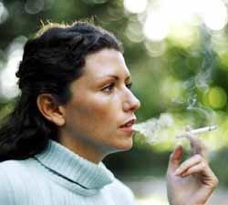 Madres fumadoras, bebés con riesgos coronarios en el futuro