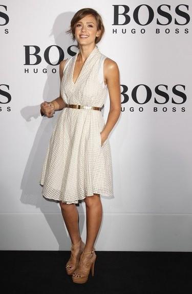 El look de Jessica Alba en el desfile de Hugo Boss