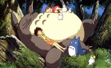 """""""Mi vecino Totoro"""", una dulce película de animación para niños"""