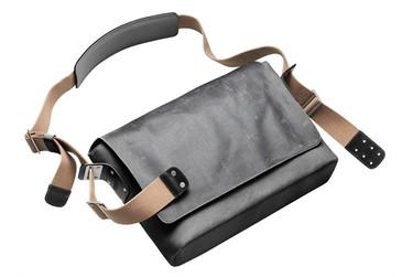 Una bolsa para un gentleman de las dos ruedas: Barbican de Brooks