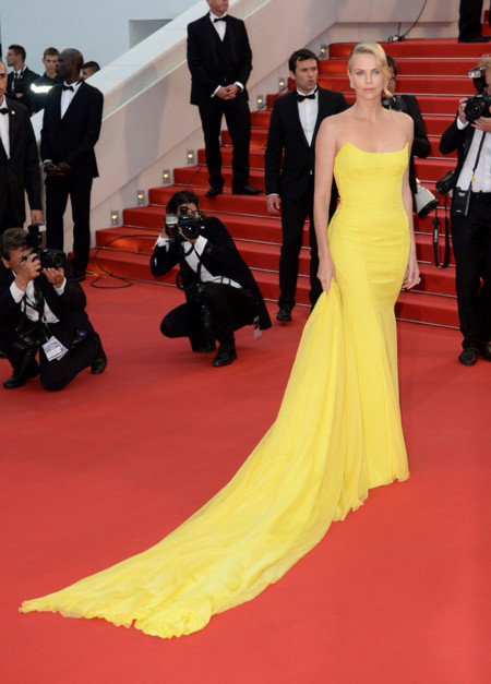 Charlize Theron Cannes 2015 Dior Alfombra Roja