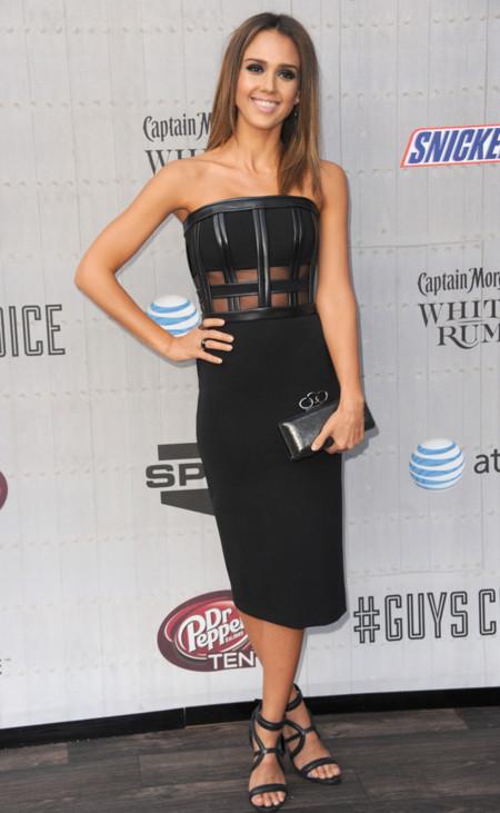 Jessica Alba David Koma vestido negro