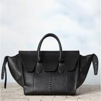 Llega el Celine Tie Bag, el bolso que te cansarás de ver en los blogs de moda