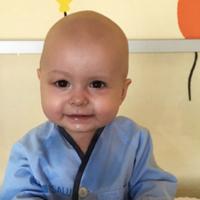Super Cataleya recibe un trasplante de médula ósea para curar su leucemia: su padre ha sido el donante