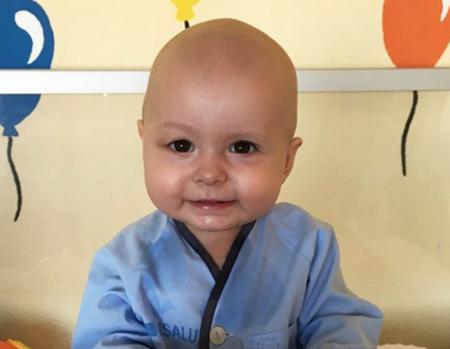 Super Cataleya recibe un transplante de médula ósea para curar su leucemia: su padre ha sido el donante