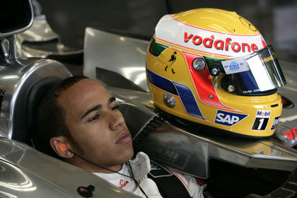 La FIA casi le quita la victoria a Hamilton en Japón