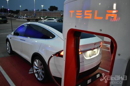Tesla Model X Mexico 06
