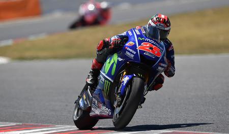 Maverick Viñales vuela sobre el asfalto de Assen y marca el mejor tiempo del viernes en MotoGP