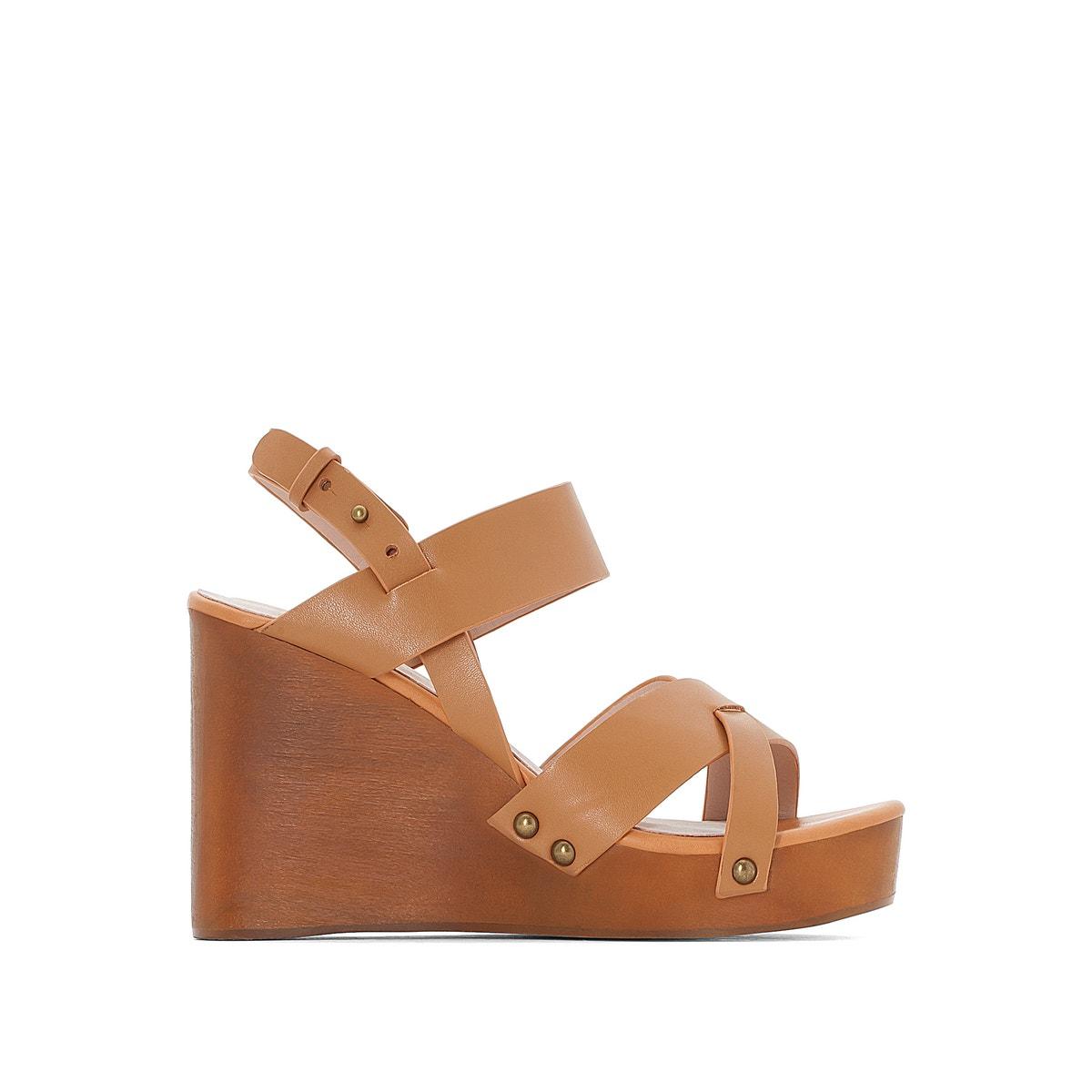 Sandalias de piel con tacón de cuña efecto madera