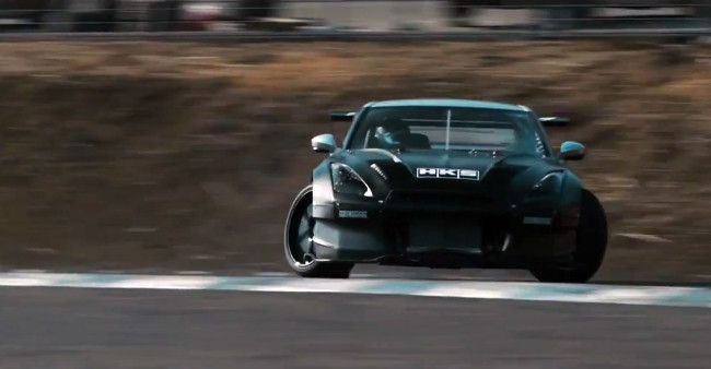 Nissan GT-R R35 HKS